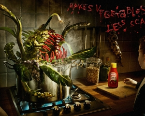 【ADS】トマトケチャップの[WERDER]の「Makes vegetables less scary.」キャンペーン広告。