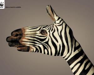 【ADS】野生動物に手助けを。WWFのユニークな広告です。