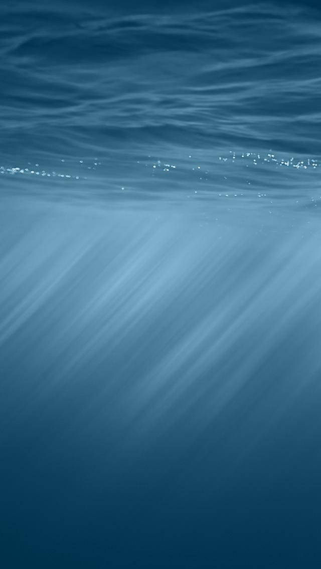 というワケで、iOS 8のテーマ壁紙をご用意しました。 水面から光が入り込む美しい画像ですね。キーノートのデモでも、アップルストアの iOS 8  ページでもこの壁紙が使 ...